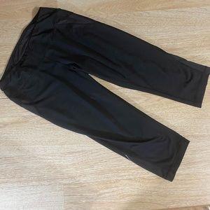 Tek Gear Black Workout Athletic Capri Pants Med